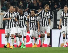 Tevez lập công, Juventus tiến sát ngôi Vương