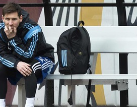 """Cận cảnh chấn thương khiến Messi """"ngồi chơi xơi nước"""""""