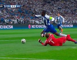 Tranh cãi dữ dội về án phạt của Manuel Neuer?
