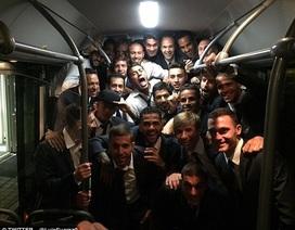 """Sao Barcelona """"đập phá"""" mừng vé chung kết Champions League"""
