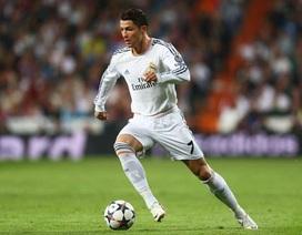 Cổ động viên gọi tên Messi, chọc tức C.Ronaldo