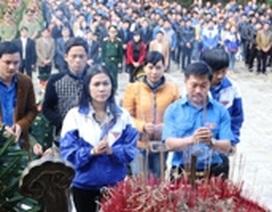 Quảng Trị: Hơn 2.000 cán bộ, đoàn viên, thanh niên gắn hoa tri ân các liệt sĩ