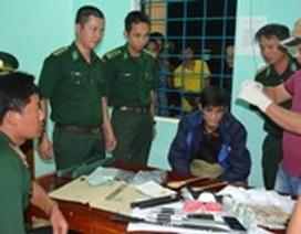 Bắt giữ đối tượng vận chuyển ma túy qua biên giới