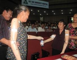 Nữ thương binh tìm lại niềm vui sau 42 năm mất đôi cánh tay!