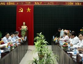 """Bộ trưởng Bộ GD-ĐT kiểm tra thực hiện """"Tam nông"""" tại Quảng Trị"""