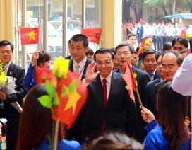 Thủ tướng Trung Quốc gặp gỡ sinh viên ĐH Quốc gia Hà Nội