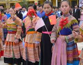 Chuyện về dòng họ người Mông hiếu học nơi vùng cao Tây Bắc