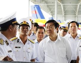 Chủ tịch nước thăm và làm việc với các đơn vị Hải quân tại Cam Ranh