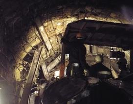 Trắng đêm cùng đội khoan hầm thủy điện sập cứu 12 công nhân
