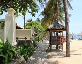 """Vụ """"cát cứ"""" bãi biển Nha Trang: Phạt khu nghỉ mát 25 triệu đồng"""