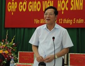 Bộ trưởng Giáo dục gỡ rối cho thầy trò vùng cao