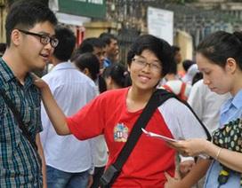 """Đề thi Toán, Ngữ văn vào lớp 10 của trường Hà Nội có """"tỉ lệ chọi"""" ngang ĐH"""