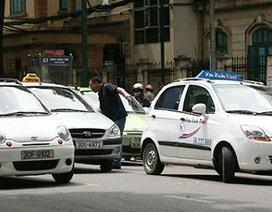 Kiến nghị giảm phí trước bạ taxi xuống 10%