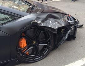 """Siêu xe Aventador """"tan nát"""" tại London"""