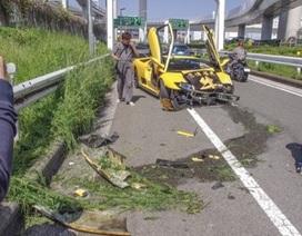Lamborghini Diablo đâm vỡ đầu tại Nhật