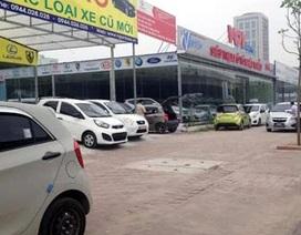 Chợ ôtô cũ Hà Nội: Ủ rũ phơi thân vỉa hè
