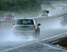Bí quyết lái xe trên đường ướt