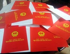 """Hà Nội """"thúc"""" tiến độ cấp sổ đỏ cho dân"""