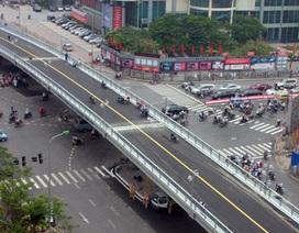 """Hà Nội """"ném"""" tiền tỷ vì những cây cầu: Quy hoạch bị """"hỏng""""!"""