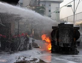 """""""Xóa sổ"""" cây xăng cháy nổ kinh hoàng gần Bệnh viện 108?"""