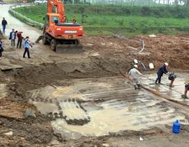Đường ống nước sạch sông Đà vỡ liên tục là... bất khả kháng?