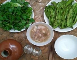 Trời lạnh nhớ món thịt muối chua lá rừng xứ Thái