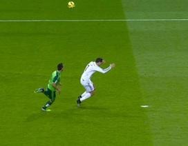 C.Ronaldo ăn vạ thô thiển để kiếm phạt đền