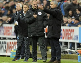 Nhận thất bại, Mourinho chỉ trích những cậu bé nhặt bóng