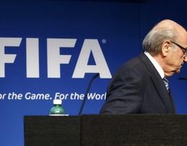 Sepp Blatter bất ngờ từ chức Chủ tịch FIFA