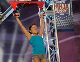 Tròn mắt với màn vượt thử thách của cô gái hạt tiêu trong Ninja Warrior