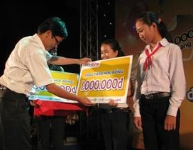 """""""Một triệu cuốn vở…"""" đến với học sinh nghèo huyện Giá Rai"""
