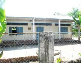 Trường học thành nơi… nuôi gà vịt: Chính quyền lên tiếng