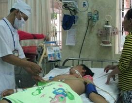 """Bệnh viện ĐK Bạc Liêu: Xem xét thôi việc hộ lý nhận """"phong bì"""""""