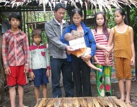 Hơn 40 triệu đồng đến với 6 mẹ con sống trong túp lều rách nát