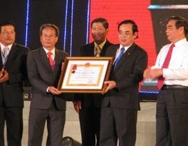 TP Bạc Liêu đón nhận Huân chương Lao động hạng Nhất