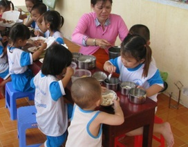 Hậu Giang: Không sử dụng tiền ăn của trẻ vào mục đích khác