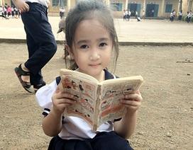 """Cô bé tiểu học ở Đắk Lắk gây """"sốt"""" mạng vì quá dễ thương"""