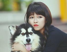 Bộ ảnh nữ sinh Đăk Lăk đùa nghịch bên chú chó cưng gây sốt