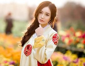 Hot girl Ngân Búng diện hanbok Hàn Quốc xinh như búp bê