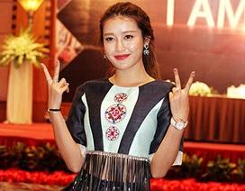 Á hậu Huyền My diện trang phục độc đáo do SV Việt thiết kế