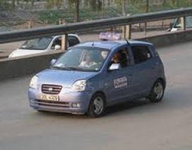 Truy bắt đối tượng cướp taxi