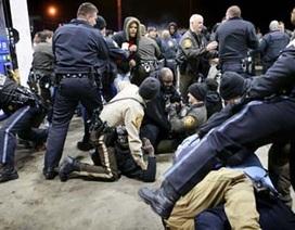 Mỹ: Thêm một thiếu niên da màu bị cảnh sát bắn chết