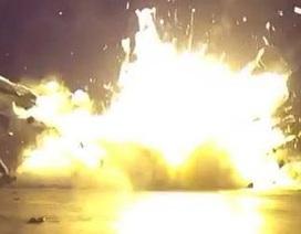 Cận cảnh tên lửa Space X nổ tung khi hạ cánh