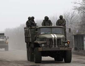 """Phe ly khai tổng tấn công Debaltseve, Putin khuyên Kiev """"buông súng"""""""
