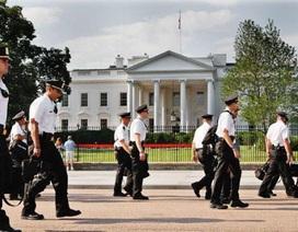 Mật vụ Mỹ đòi tiền xây Nhà Trắng giả để huấn luyện