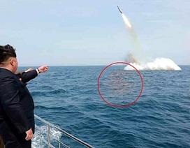 """Đô đốc Mỹ: Triều Tiên """"làm giả"""" ảnh thử tên lửa từ tàu ngầm"""