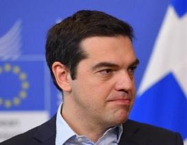 """Hy Lạp chấp nhận thắt lưng buộc bụng trong """"cơn khát"""" tiền mặt"""