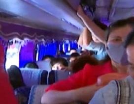 Hà Nội: Tóm gọn xe 47 chỗ nhồi nhét hơn 100 hành khách