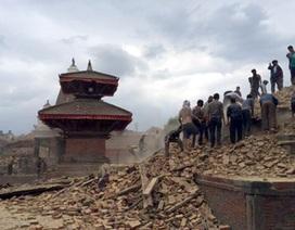 Người mẹ ở Hà Nội mong ngóng tin con nơi tâm chấn động đất Nepal