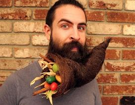 Gặp người đàn ông lập dị với chòm râu khác thường
